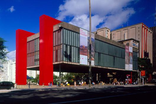São Paulo Museum of Art (MASP) / Lina Bo Bardi. Image © Pedro Kok