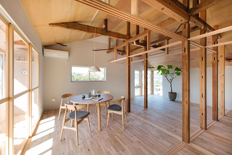 House Between Pillars Camp Design Archdaily