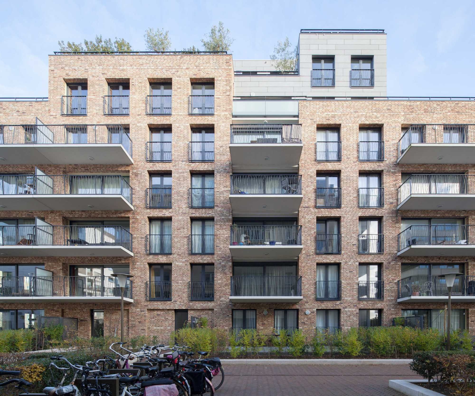 Apartement: De Halve Maen Apartment Building / Mecanoo