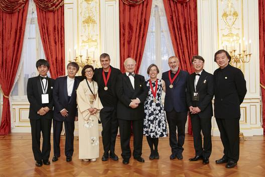 Left to right: Ryue Nishizawa, Tadao Ando, Kazuyo Sejima, Rafael Aranda, Glenn Murcutt, Carme Pigem, Ramon Vilalta, Toyo Ito, and Shigeru Ban. Image © The Hyatt Foundation / Pritzker Architecture Prize