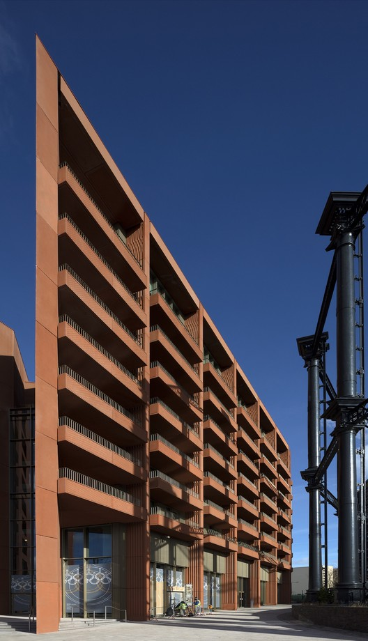 © Nick Kane. ImageTapestry Building / Niall McLaughlin Architects with Weedon Partnership