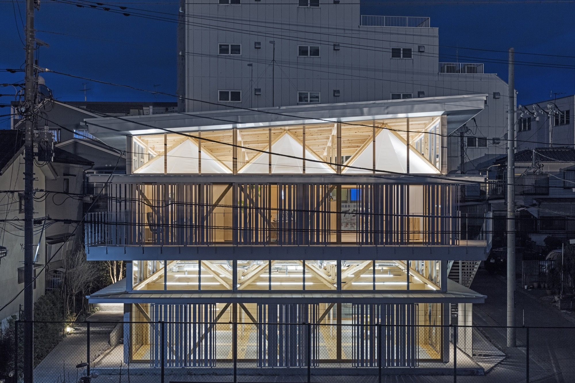 Substrate factory ayase aki hamada architects archdaily for Architecture textile
