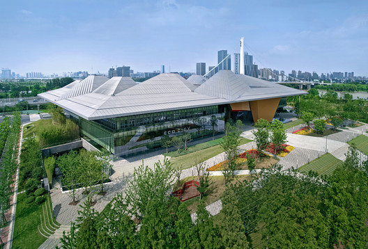Nanjing Eco-Tech Island Exhibition Center / NBBJ + Jiangsu Provincial Architectural Design & Research Institute