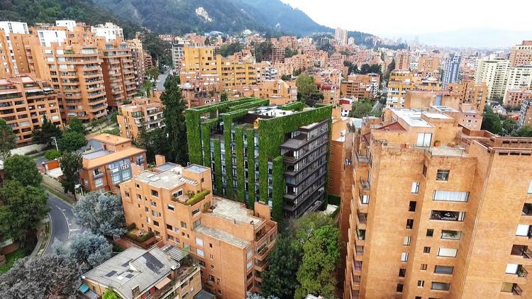 Video: Santalaia, uno de los jardines verticales más grandes del mundo está en Colombia, Santalaia. Image © Daniel Segura Fotografía. Vía Groncol