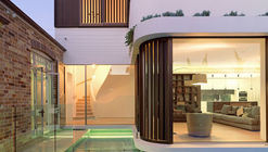 The Pool House / Luigi Rosselli Architects