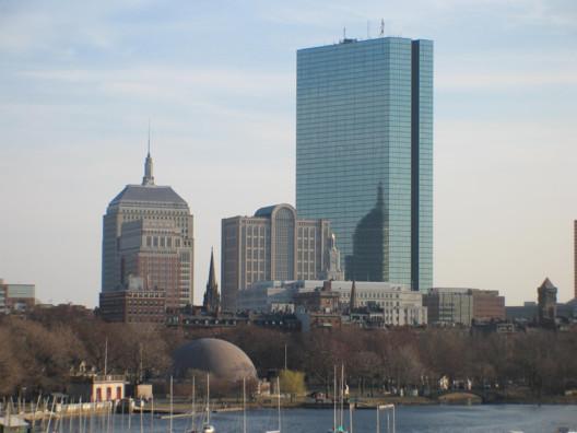 © <a href='https://commons.wikimedia.org/wiki/File:Boston2006.jpg'>via Wikimedia</a>. Photo by Wikimedia user Dong L. Zou in public domain