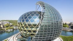 Photographed: Shigeru Ban and Jean de Gastines' Solar-Powered Seine Musicale