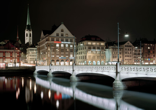 Night view of Rudolf Brun Bridge. Photo by Georg Aerni. Image © Stadt Zürich