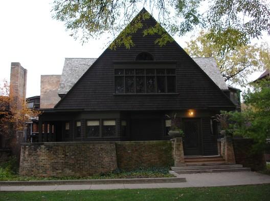 © Wikimedia User John Delano of Hammond, Indiana. Image Casa de Frank Lloyd Wright en Oak Park
