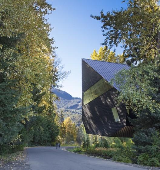 © James Dow / Patkau Architects