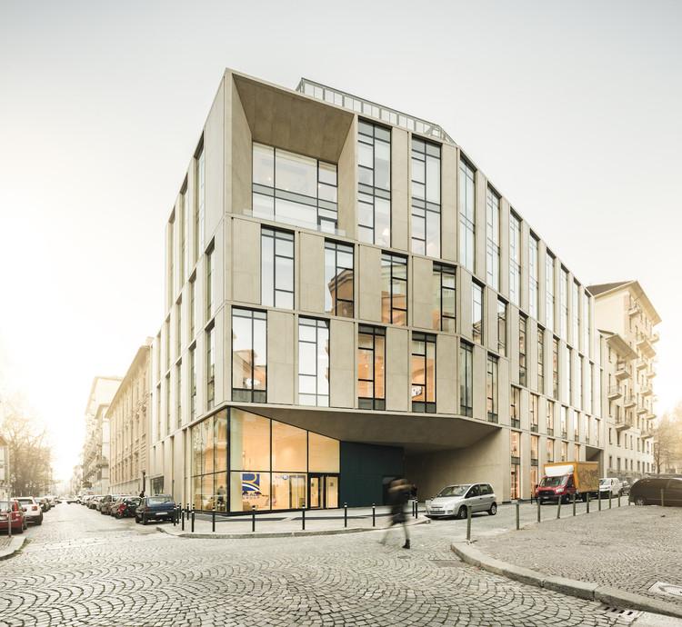 Reale Group Office Building / Iotti + Pavarani Architetti + Artecna, © Fernando Guerra | FG+SG