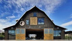 Manson Barn  / SkB Architects