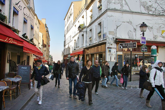A street in Montemartre, Paris, 2011. Image © <a href='https://www.flickr.com/photos/chodhound/5935303780/'>Flickr user chodhound</a> licensed under <a href='https://creativecommons.org/licenses/by-sa/2.0/'>CC BY-SA 2.0</a>