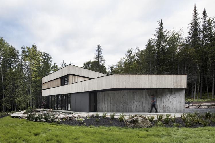 Maison sur le lac acdf architecture archdaily for Acdf architecture