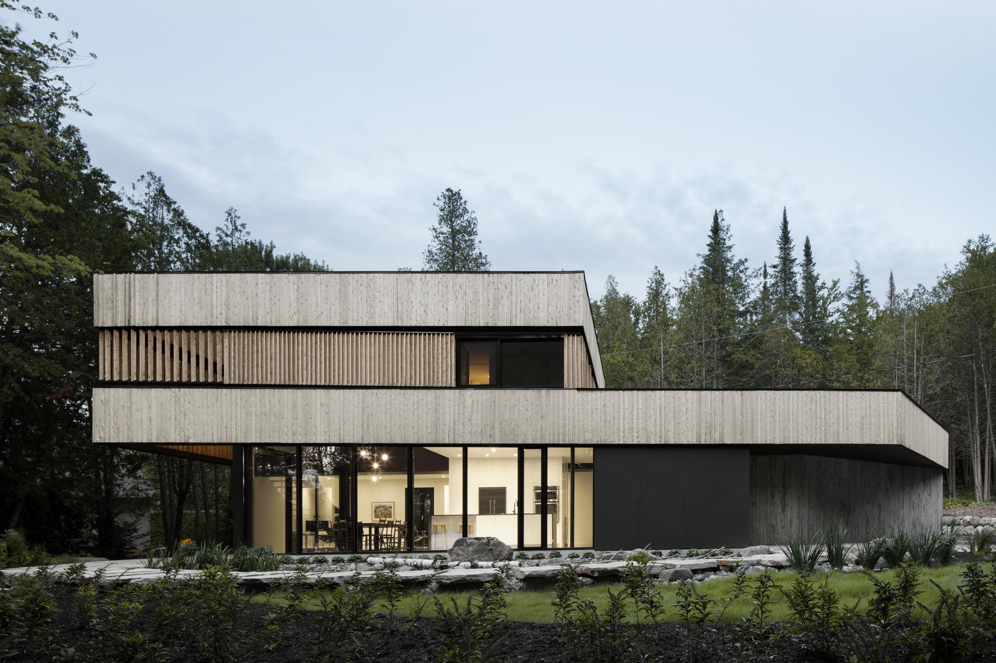 gallery of maison sur le lac acdf architecture 6. Black Bedroom Furniture Sets. Home Design Ideas