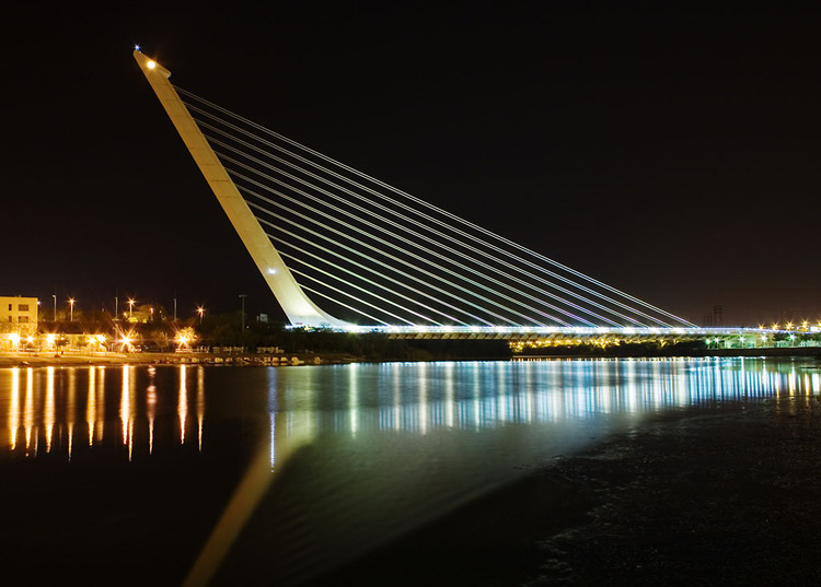Architects and Structural Engineers: Can't We All Just Get Along?, Of the world's most famous architects, few have any formal training in engineering. Santiago Calatrava is perhaps the most well-known of the group. Image © <a href='https://commons.wikimedia.org/wiki/File:Calatrava_Puente_del_Alamillo_Seville.jpg'>Wikimedia user Andrew Dunn</a> licensed under <a href='https://creativecommons.org/licenses/by-sa/2.0/deed.en'>CC BY-SA 2.0</a>
