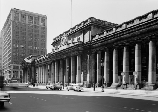 Image <a href='http://hdl.loc.gov/loc.pnp/hhh.ny0411/photos.119990p'>via Library of Congress</a>