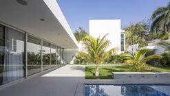 Casa Ancha / Augusto Quijano Arquitectos