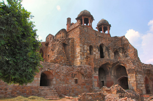 The Purana Qila, less than 200 meters from the Hall of Nations site, is covered by the Heritage Conservation Committee due to its age.. Image© <a href=https://www.flickr.com/photos/robphoto/2748901660>Flickr user robphoto</a> licensed under <a href=https://creativecommons.org/licenses/by/2.0/>CC BY 2.0</a>