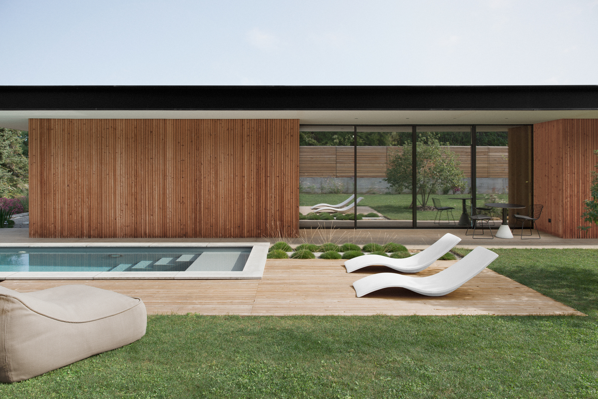 la maison etir e barres coquet archdaily. Black Bedroom Furniture Sets. Home Design Ideas
