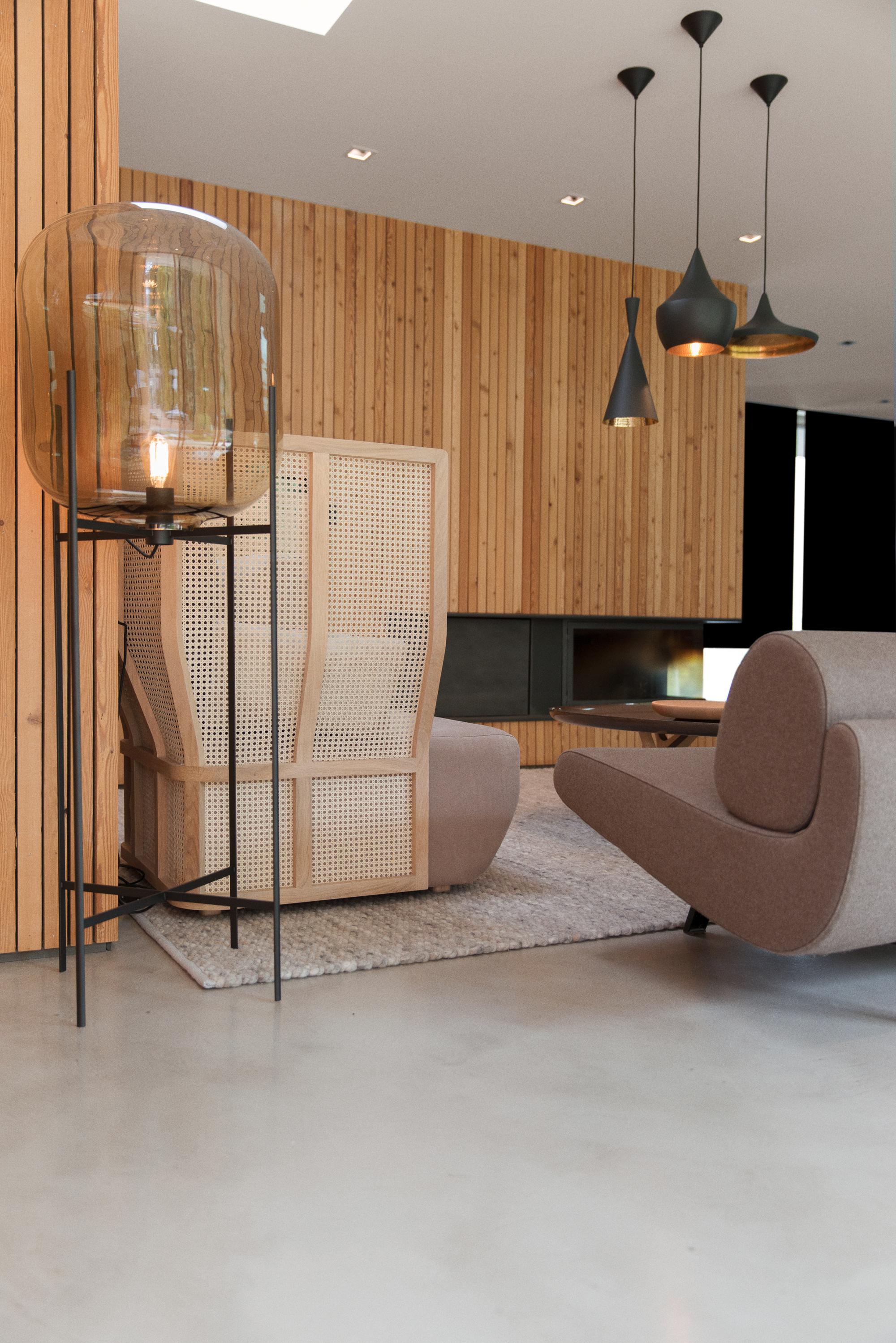 gallery of la maison etir e barres coquet 13. Black Bedroom Furniture Sets. Home Design Ideas