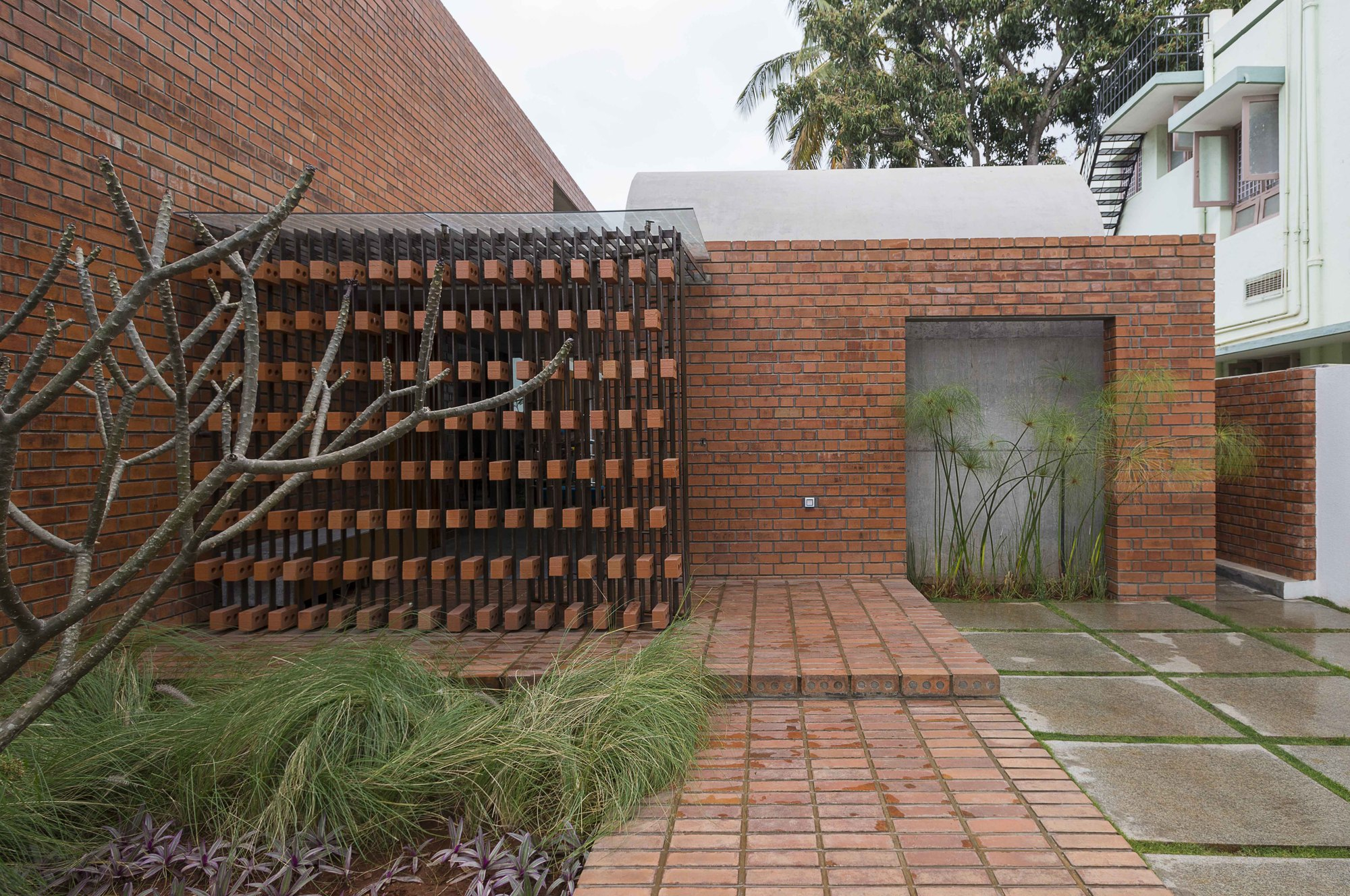 Brick House Architecture Paradigm Archdaily
