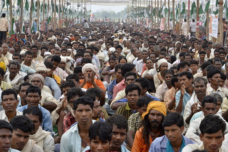 India's population is predicted to reach 1.5 billion by 2030. Image © <a href='https://commons.wikimedia.org/wiki/File:Indian_farmers,_Gwalior,_MP.jpg'>Wikimedia user Yann</a> licensed under <a href='https://creativecommons.org/licenses/by-sa/2.0/deed.en'>CC BY-SA 2.0</a>