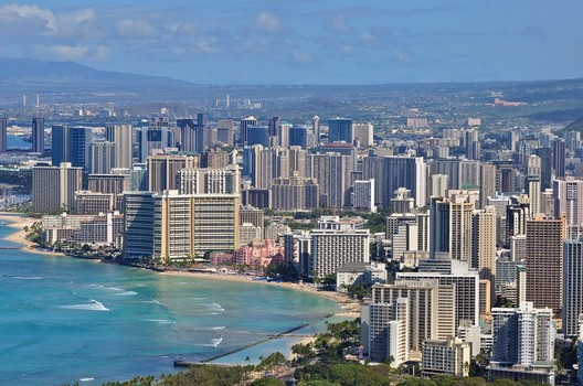 #7 Honolulu. Median Price: $745,300, Median Income: $78,900, Median Multiple: 9.4. Image © <a href='https://www.flickr.com/photos/9397412@N06/4553640310'>Flickr user Geoff Livingston</a> licensed under <a href='http://https://creativecommons.org/licenses/by-sa/2.0/deed.en'>CC BY-SA 2.0</a>