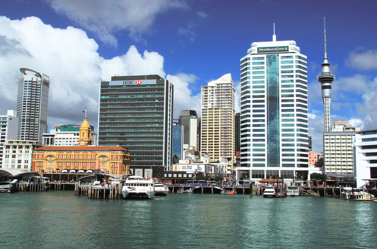 #4 Auckland. Median Price: $830,800, Median Income: $83,000, Median Multiple: 10.0. Image © <a href='https://www.flickr.com/photos/ronmacphotos/5642240317/'>Flickr user ronmacphotos</a> licensed under <a href='http://https://creativecommons.org/licenses/by/2.0/deed.en'>CC BY 2.0</a>