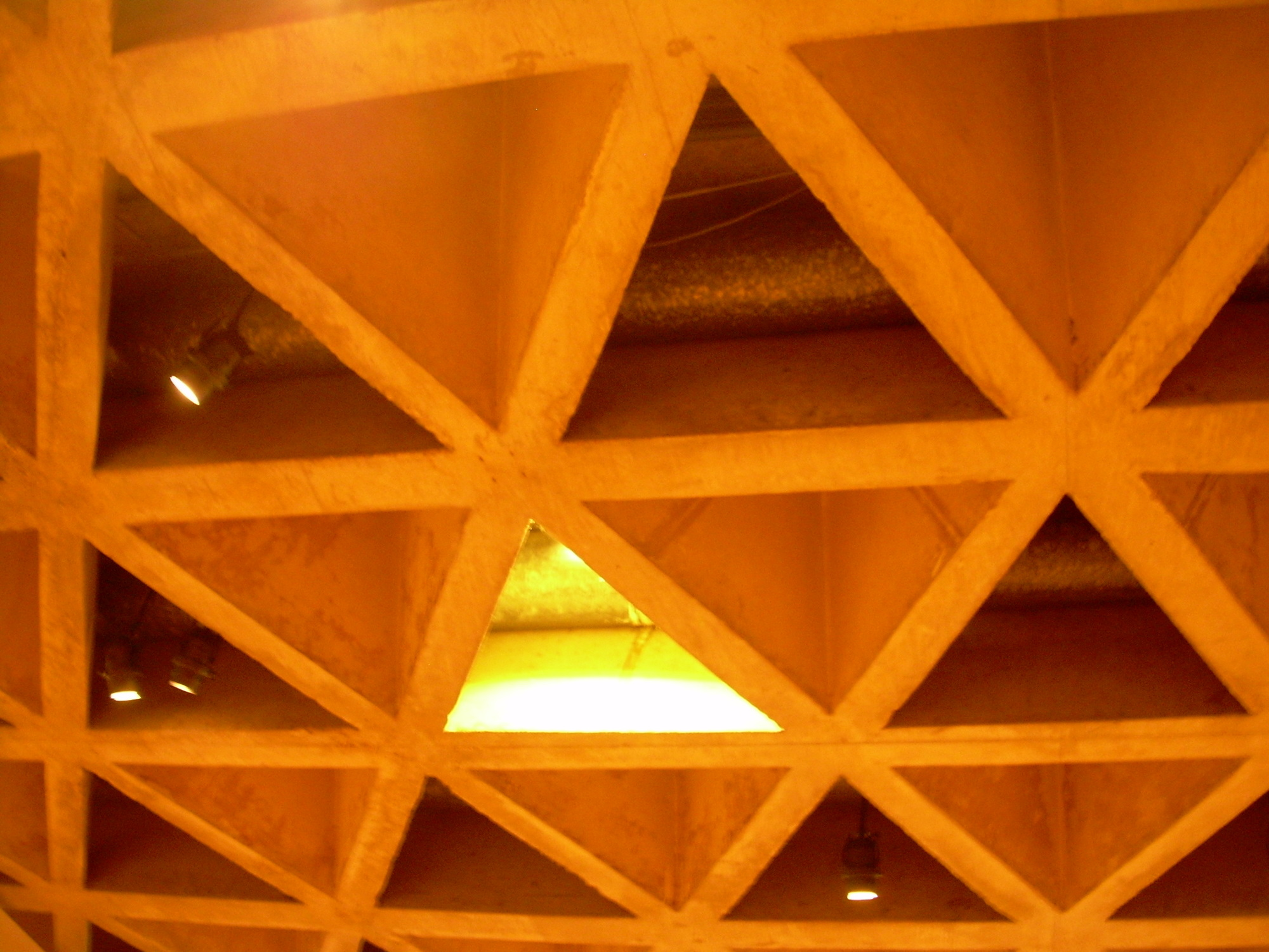 Triangle-ceiling