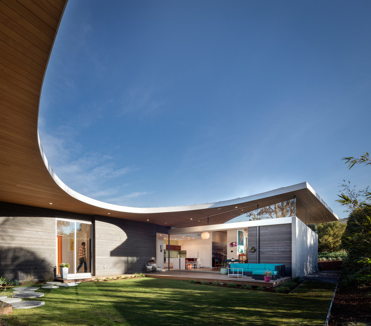 Avocado Acres House / Surfside Projects + Lloyd Russell, © Darren Bradley