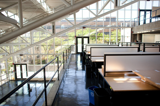 """The Harvard Graduate School of Design offers a """"Master in Design Engineering (MDE)"""" in conjunction with the university's John A. Paulson School of Engineering and Applied Sciences. Image © <a href='https://www.flickr.com/photos/peterhess/5827571398'>Flickr user peterhess</a> licensed under <a href='https://creativecommons.org/licenses/by/2.0/'>CC BY 2.0</a>"""