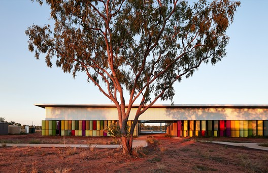 Health: Iredale Pedersen Hook Architects / Fitzroy Crossing Renal Hostel. Image Courtesy of WAF
