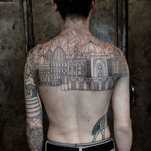 tattoodaze.com. <a href='https://br.pinterest.com/pin/802907439787735269/'>Via Pinterest</a>