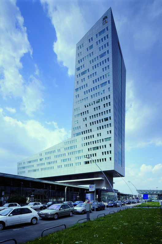 Credit Lyonnais Tower, Lille, 1995. Image © Nicolas Borel
