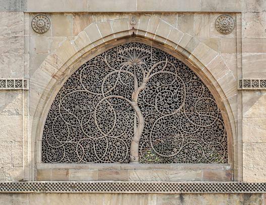 Jaali at Sidi Saiyyad Mosque. Image© <a href='http://ift.tt/2tKs7Yy user Bernard Gagnon</a> licensed under <a href='http://ift.tt/2ei2s0Y BY-SA 2.5</a>