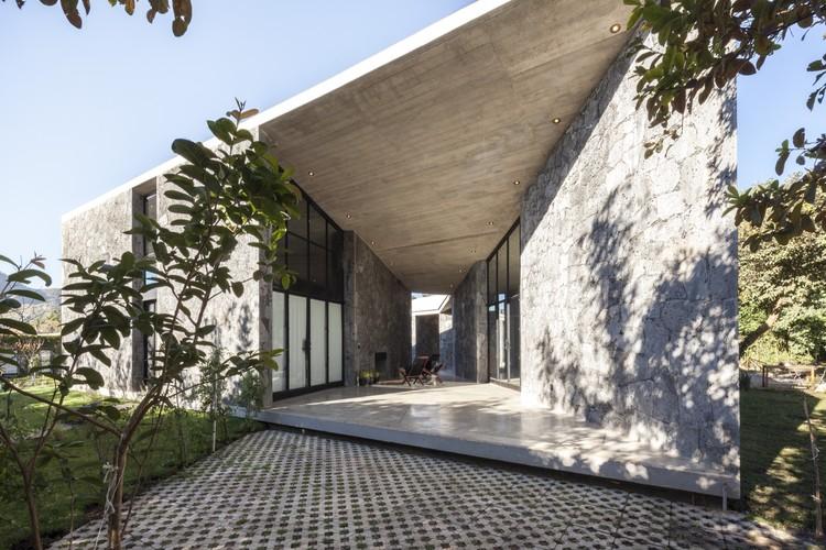 MA House / Cadaval & Solà-Morales. Image © Sandra Pereznieto