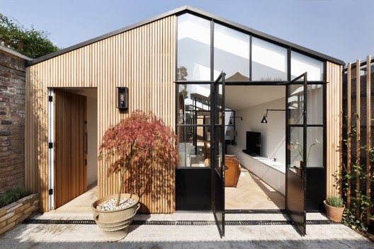 The Courtyard House / De Rosee Sa. Image © Alexander James Photography