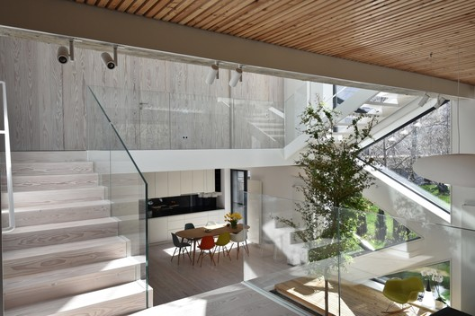 Single Family House / Outline Architecture Office. Image © Sorin Diaconescu