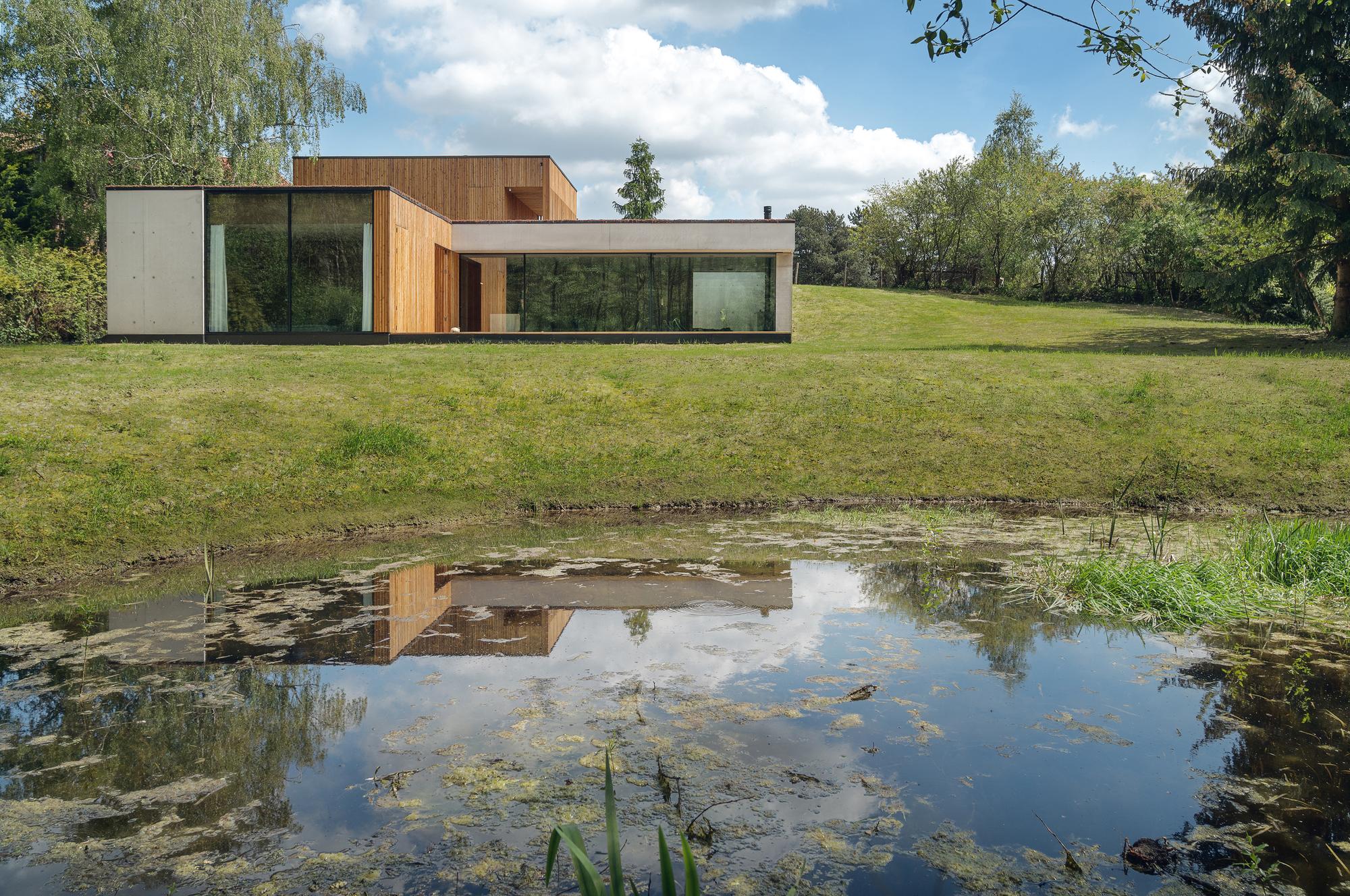 Casa jrv2 studio plataforma arquitectura for Arquitectura materias
