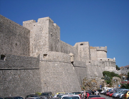 Dubrovnik City Walls: King's Landing. Image <a href='http://ift.tt/2urHKGI Wikimedia</a>. Image by László Szalai in public domain