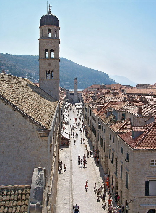 Stradun, Dubrovnik: King's Landing. Image © <a href='https://commons.wikimedia.org/wiki/File:Main_street-Dubrovnik-2.jpg'>Wikimedia user László Szalai</a> licensed under <a href='http://https://creativecommons.org/licenses/by-sa/3.0/deed.en'>CC BY-SA 3.0</a>