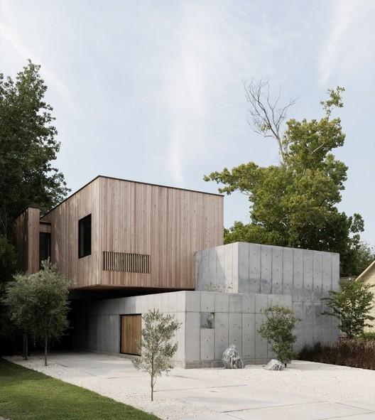 Concrete Box House / Robertson Design. Image © Jack Thompsen
