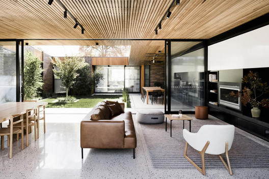Courtyard House / FIGR Architecture & Design. Image © Tom Blachford