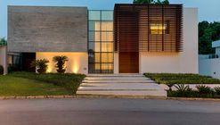 Casa MLD  / MMA Studio