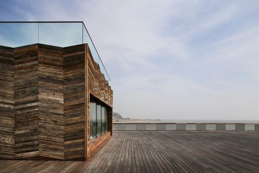 Hastings Pier / dRMM Architects. Image © Alex de Rijke