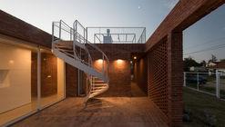 'ARQ RIFA G'2010' House / Emilio Garateguy + Ignacio Trecca