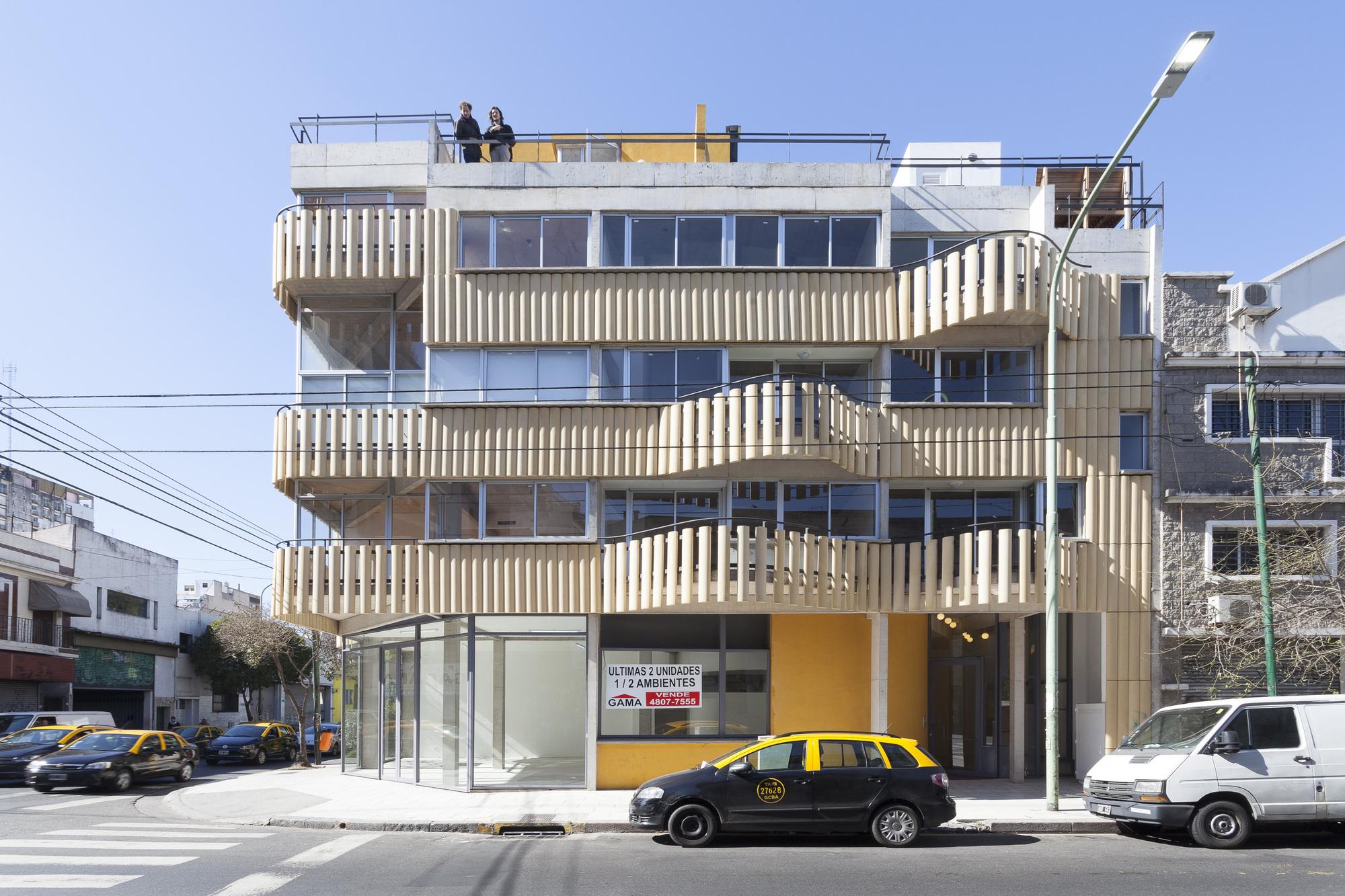 Abasto ancho tetrishomes ariel jacubovich oficina de for Oficinas arquitectura