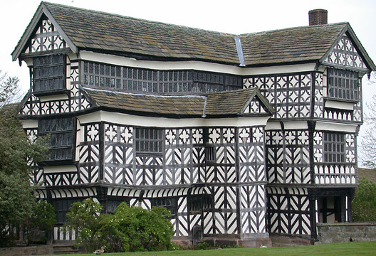 """Little Moreton Hall, England. © <a href=""""https://en.wikipedia.org/wiki/Little_Moreton_Hall#/media/File:LittleMoretonHall.jpg"""">Wikimedia Commons user Christine-Ann Martin</a> licensed under <a href=""""https://creativecommons.org/licenses/by-sa/3.0/"""">CC BY 3.0</a>. Image Courtesy of Christine-Ann Martin"""