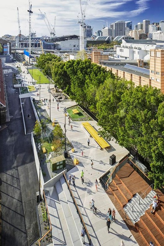 gianni francisco. <a href='https://br.pinterest.com/pin/357121445431174612/'>Via Pinterest</a>. ImageThe Goods Line em Sydney